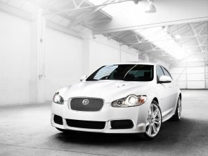 Jaguar XF R 5.0 V8 Supercharged